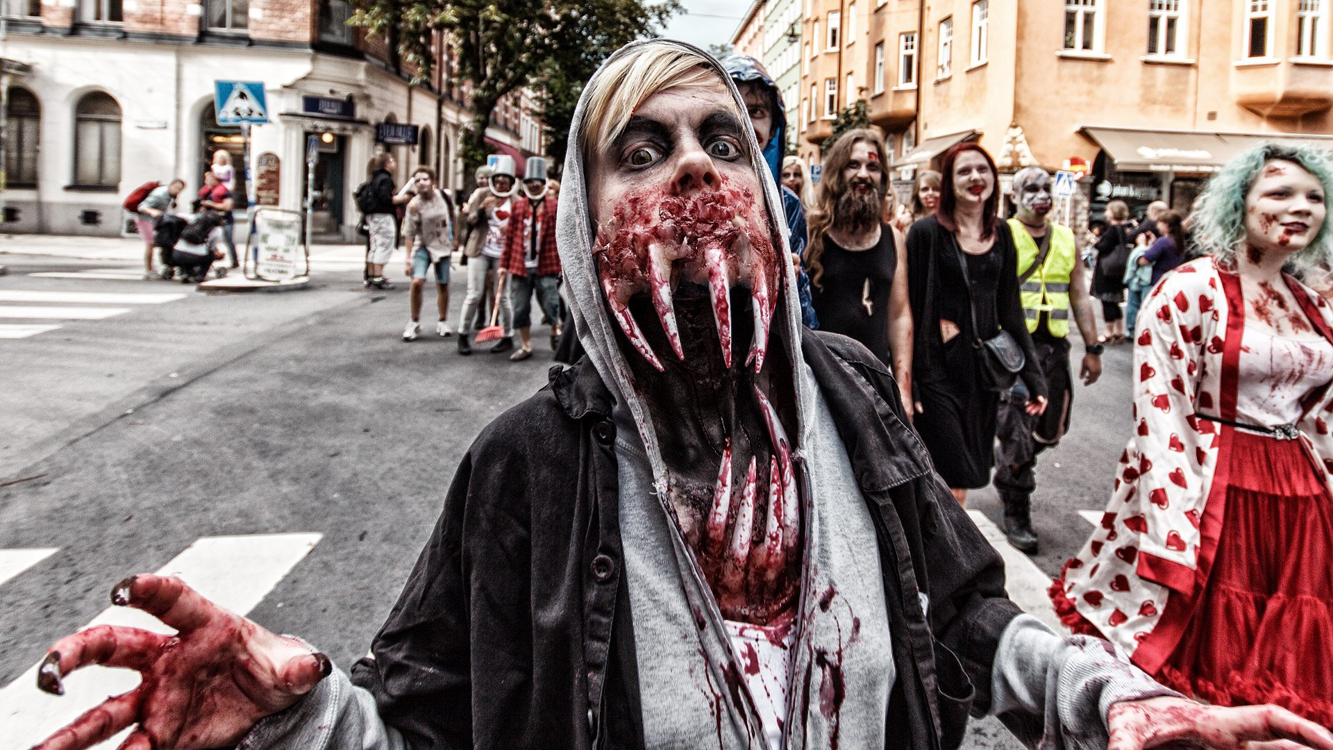 zombie walk stockholm 2016